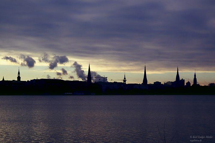 Wolken über Hamburg.