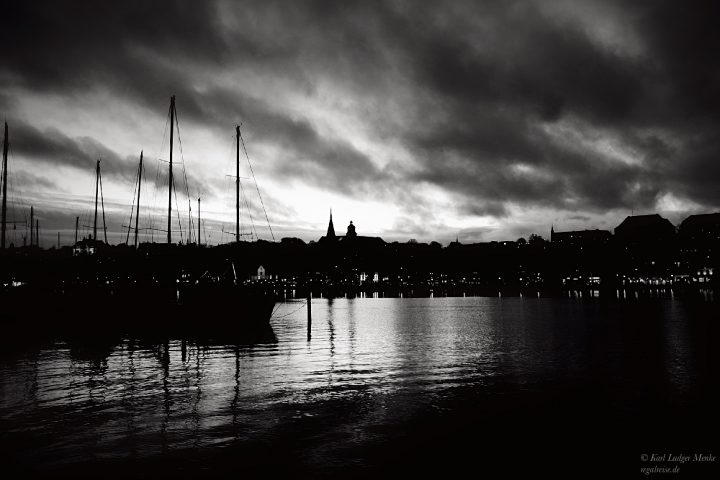 Winterdämmerung im Flensburger Hafen
