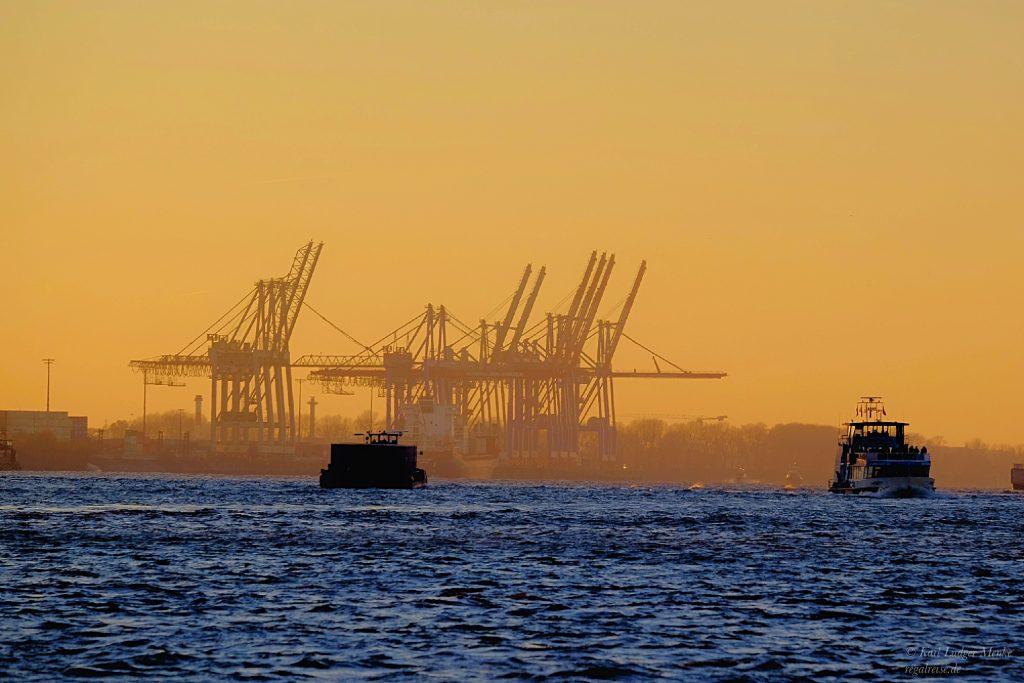 Dunst im Hafen